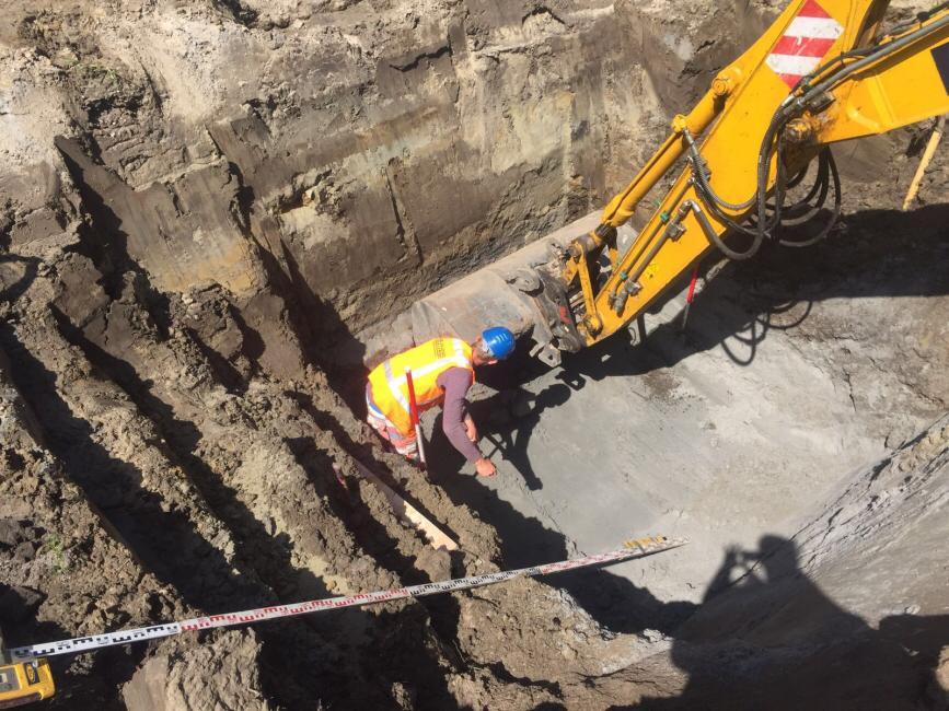 Hoofdriool uitgraven